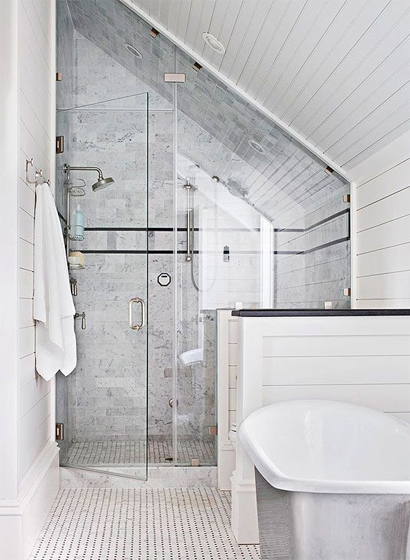 Tips schuine wanden in huis Small bathroom design melbourne