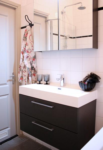 Wonderbaar Badkamer restyling IKEA - Stripesandwalls.nlStripesandwalls.nl NI-99
